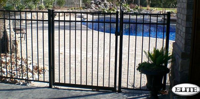 Eff 20 Elite Ornamental Aluminum Fence Discount Fence Supply Fence Landscaping Backyard Fences Brick Fence
