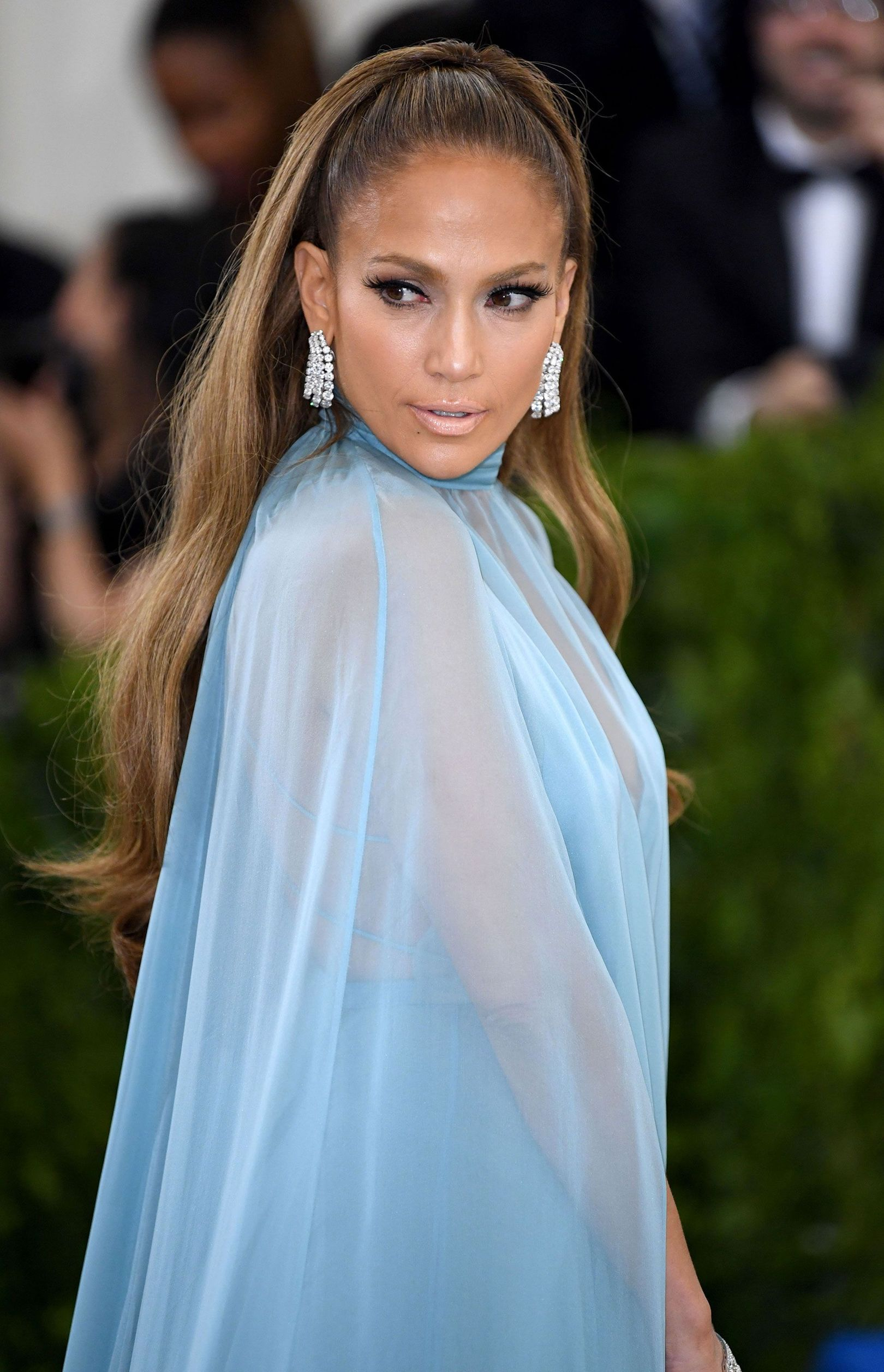 All That Glitters: The Best Jewellery and Accessories From the Met Gala -  Jennifer Lopez hit the red carpet wearing more than 150 carats of diamonds on her vintage Harry Win - #accessories #asianwomen #badasswomen #gala #glitters #jewellery #Met #olderwomen #womenback #womencrush #womenfrases #womenprofile #womensilhouette #womenstyle #womensuit #wonderwomen
