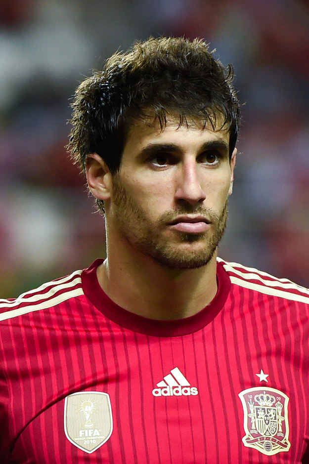 And also his scruffy looking serious face. | 49 Reasons The Spanish World Cup Team Is Definitively The Hottest World Cup Team
