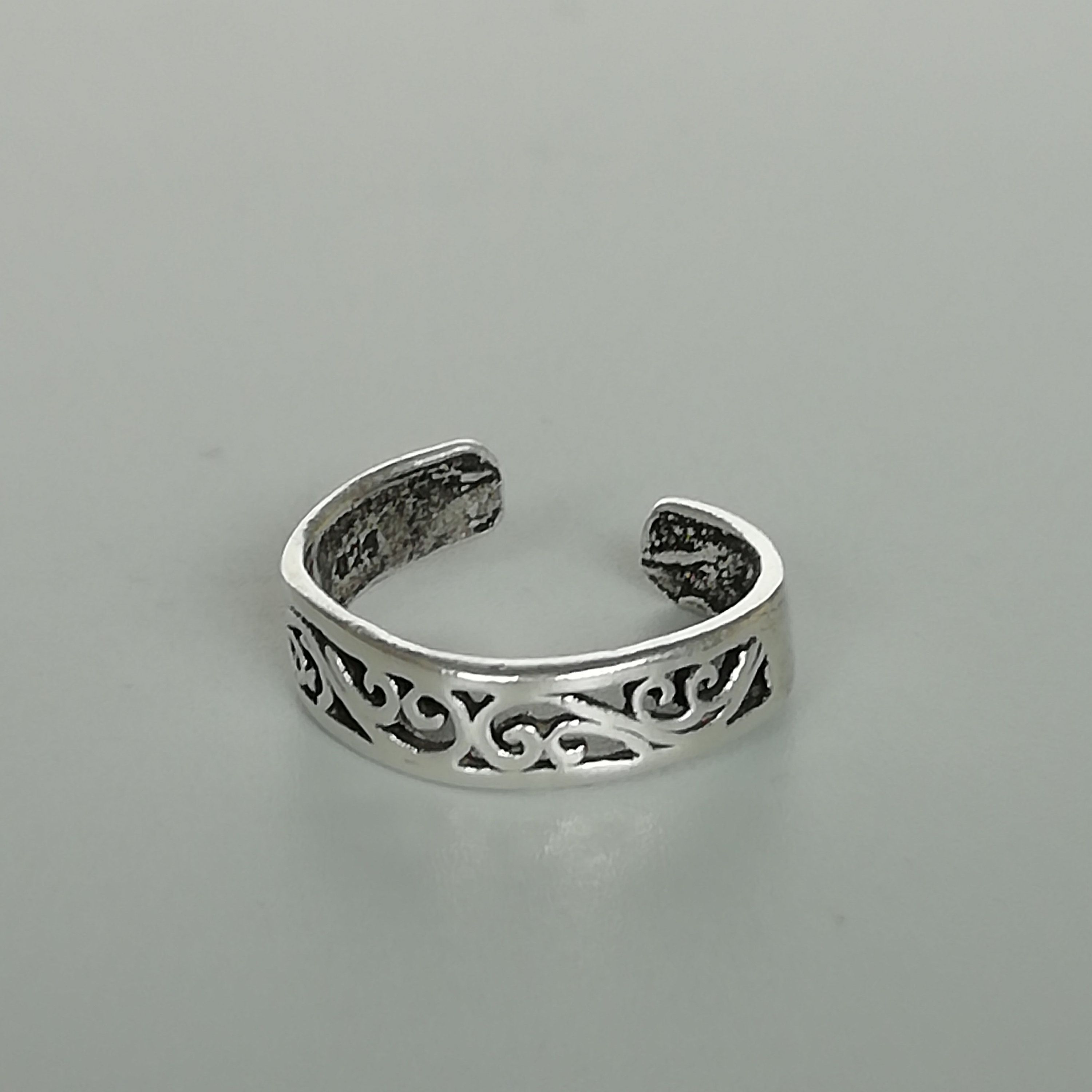 Twisted silver toe ring Toe band TCC Sterling silver toe band Minimalist toe ring Bohemian jewelry Body jewelry
