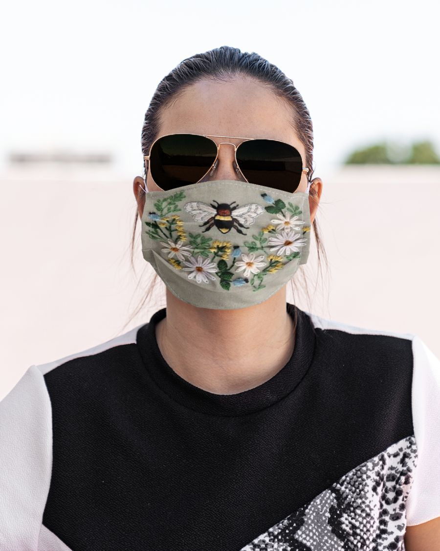 Bee Face mask in 2020 Face, Wing shirts, Shopping outfit