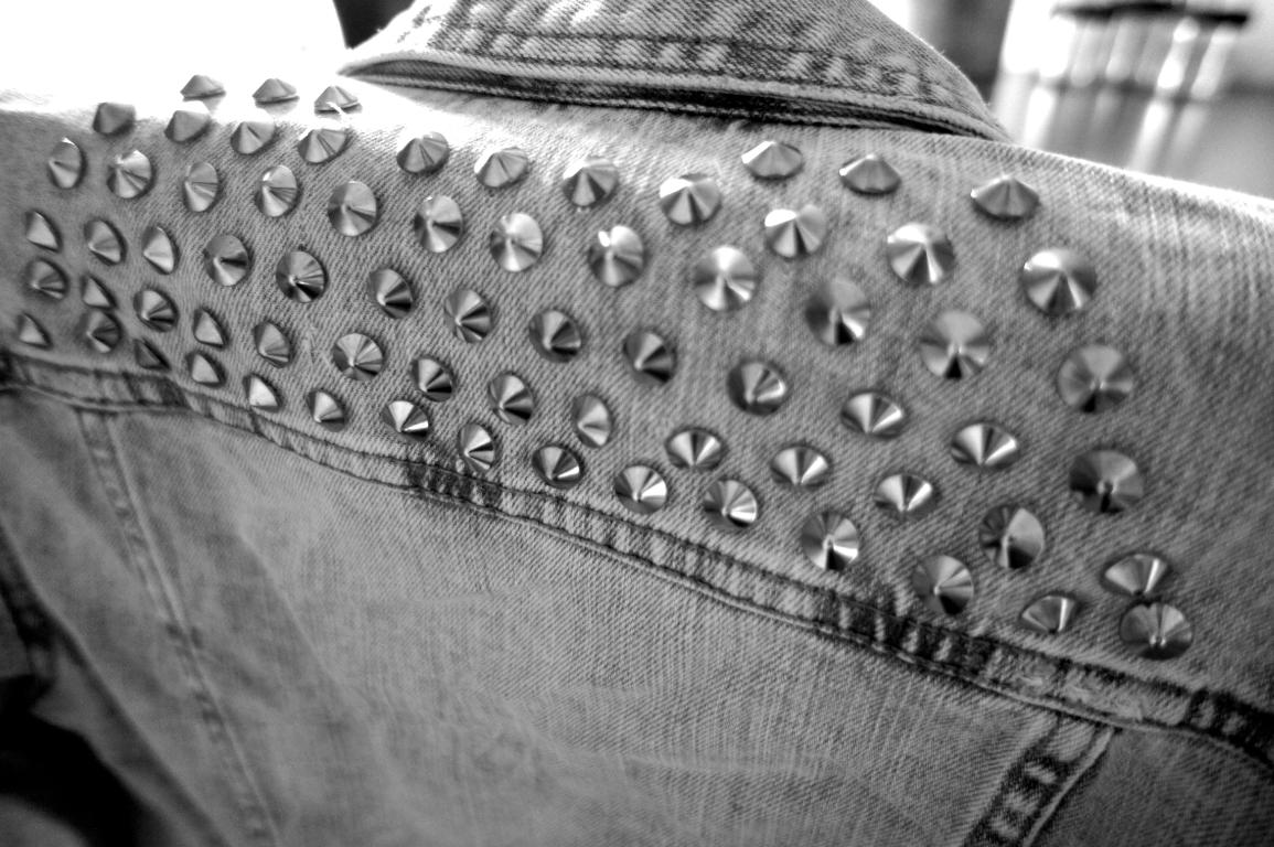 Jeansjacke Nieten DIY