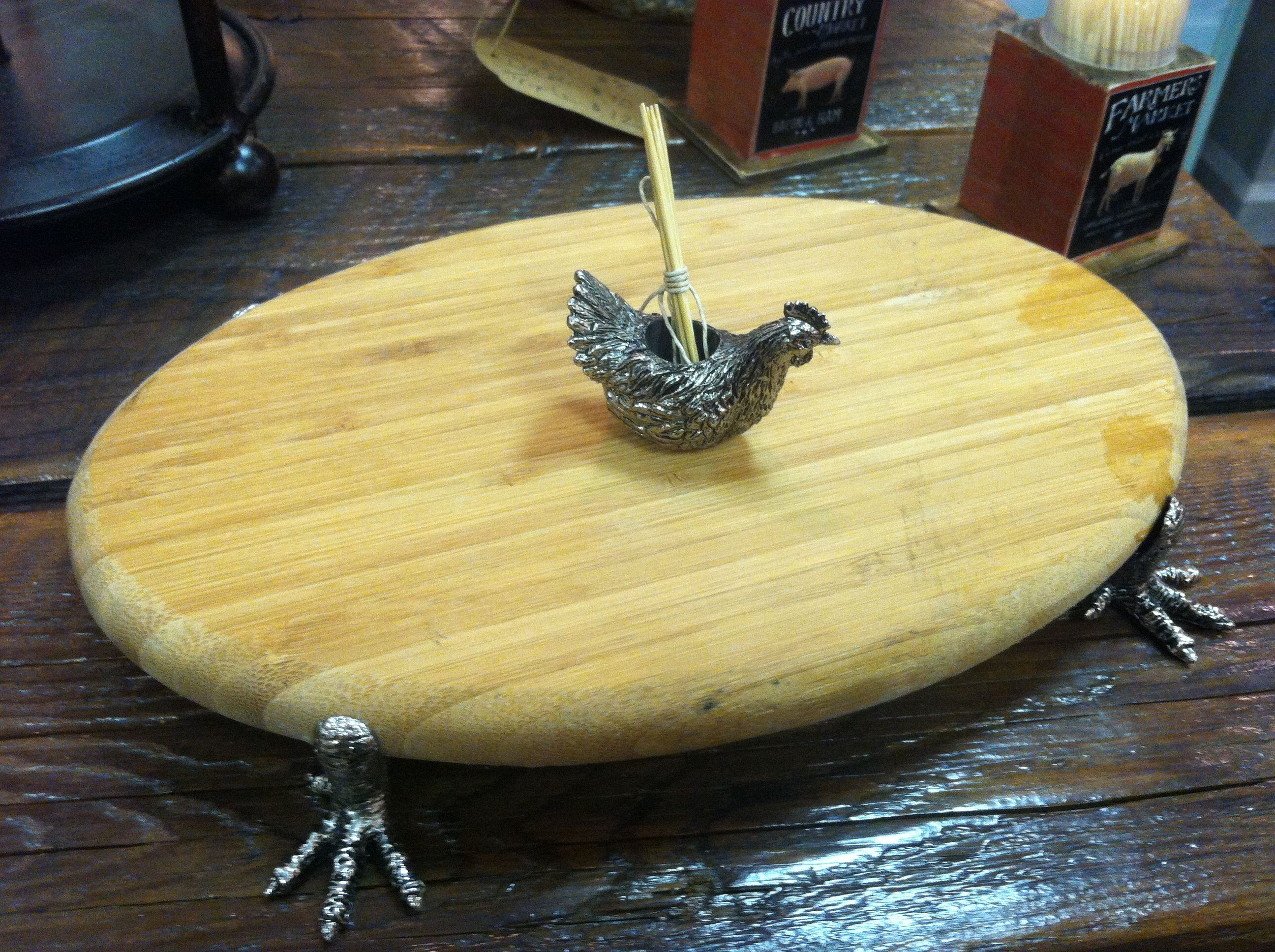Chicken foot cutting board with weighted chicken toothpick holder