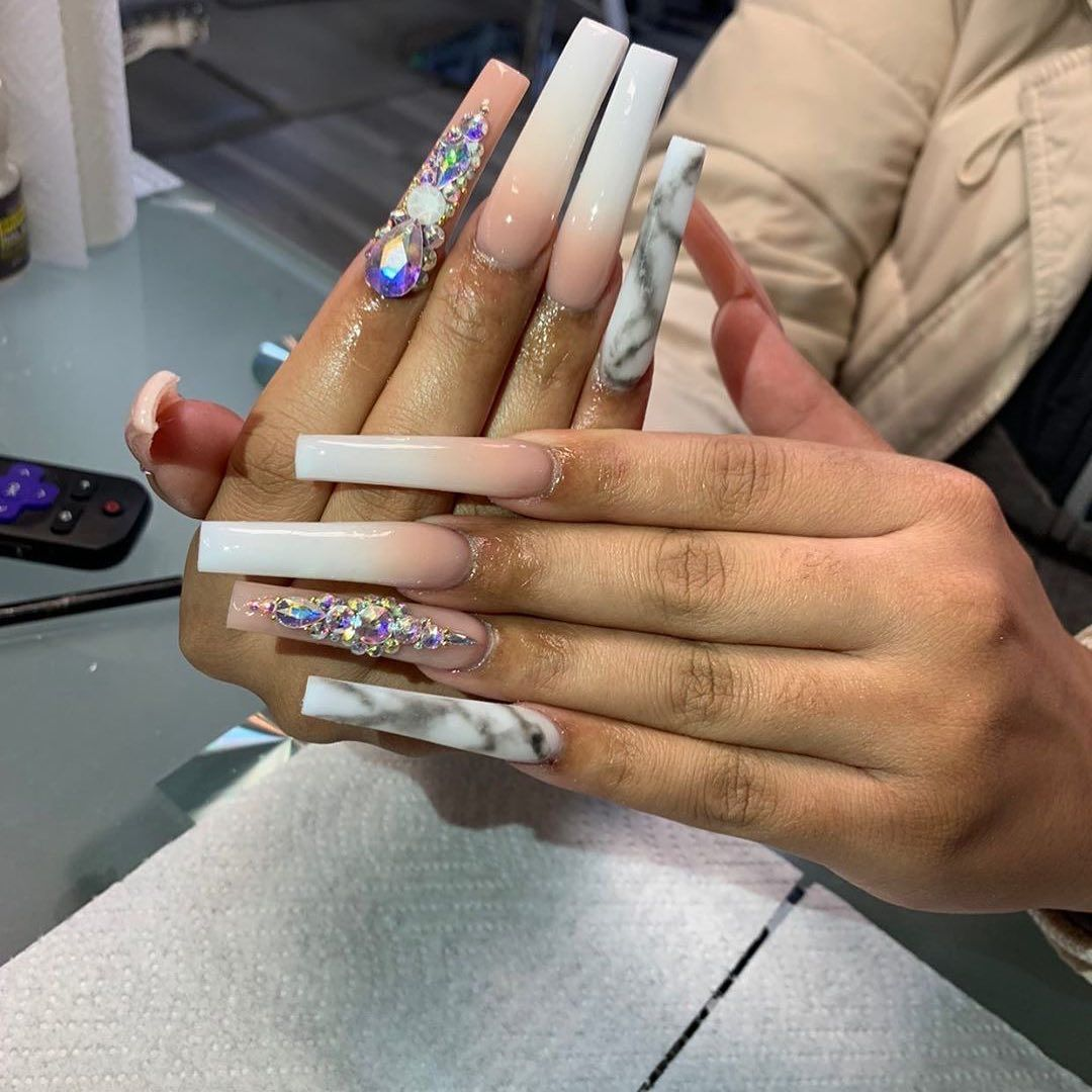 Self Taught On Instagram In 2020 Bling Acrylic Nails Long Acrylic Nails Best Acrylic Nails