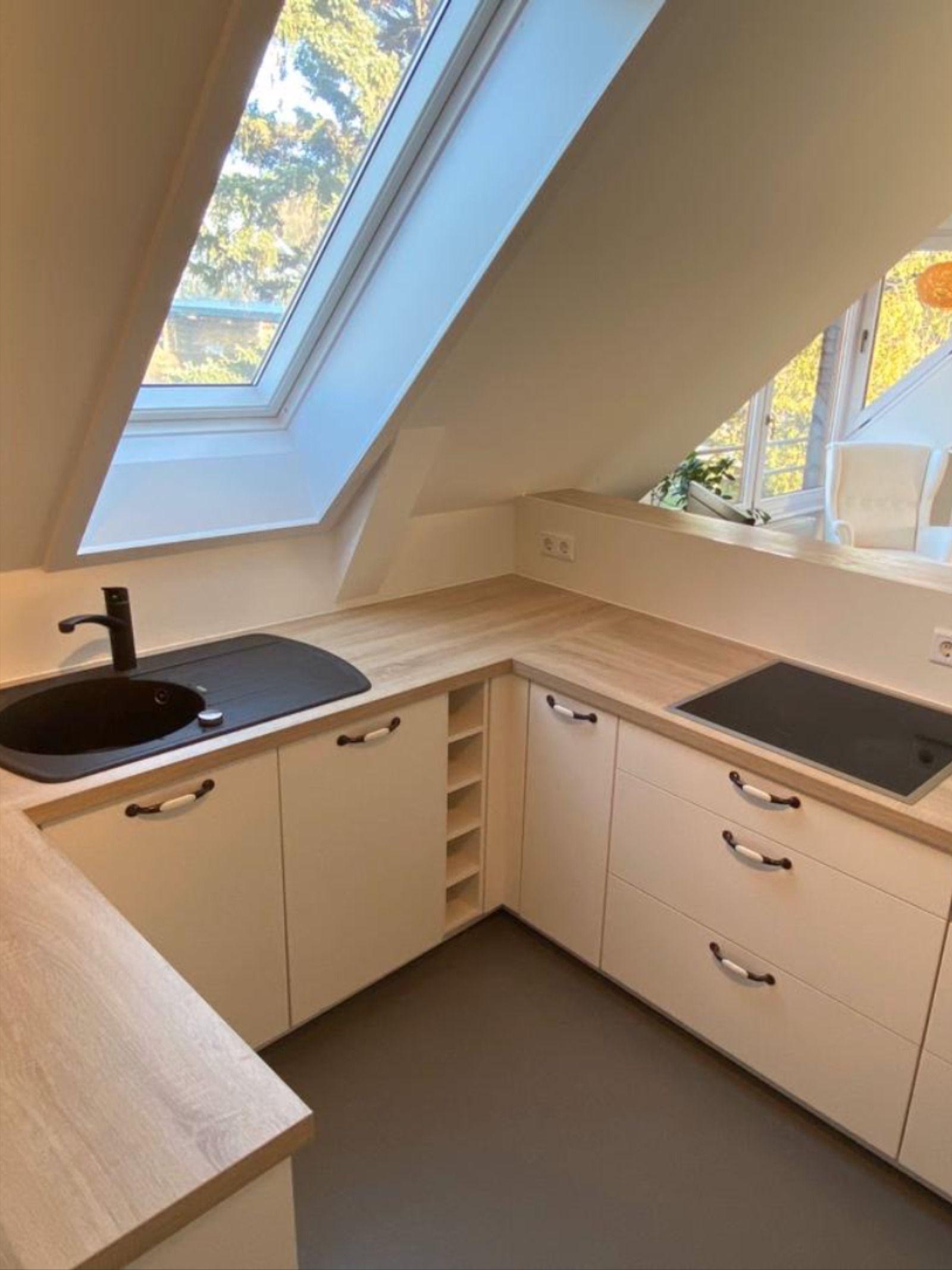 Einbauküche unter einer Dachschräge in 15  Küche dachschräge