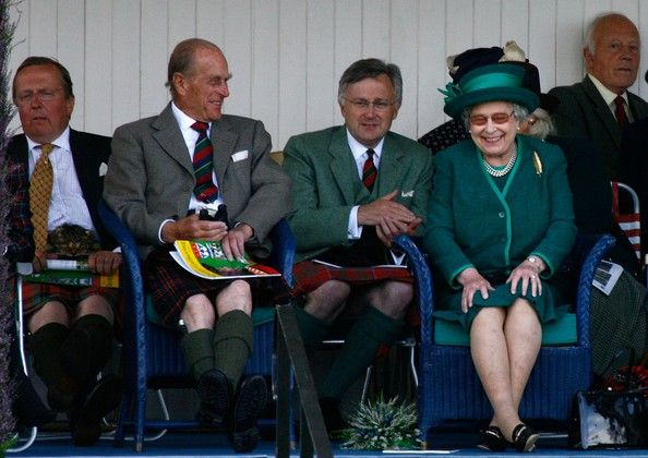Queen Elizabeth II Photos - Queen Elizabeth II and Prince Philip, Duke of Edinburgh, attend the Braemar Gathering at the Princess Royal and Duke of Fife Memorial Park on September 1, 2007 in Braemar, Scotland. The monarch is Chieftain of the Braemar Gathering which attracts large crowds each year. There have been gatherings of one sort or another at Braemar for the last nine hundred years.  (Photo by Jeff J Mitchell/Getty Images) * Local Caption * Queen Elizabeth II;Prince Philip, Duke of Edinbu