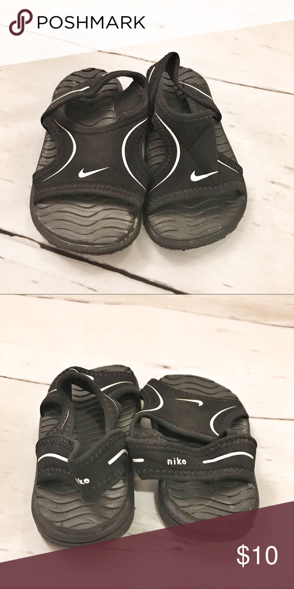 02ccd6499006 Nike Black Baby Sandals EUC baby Sandals by Nike. Super soft waterproof.  Perfect for