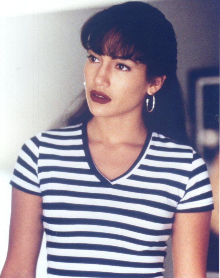 Jennifer Lopez as Selena Quintanilla the look every Girl ...