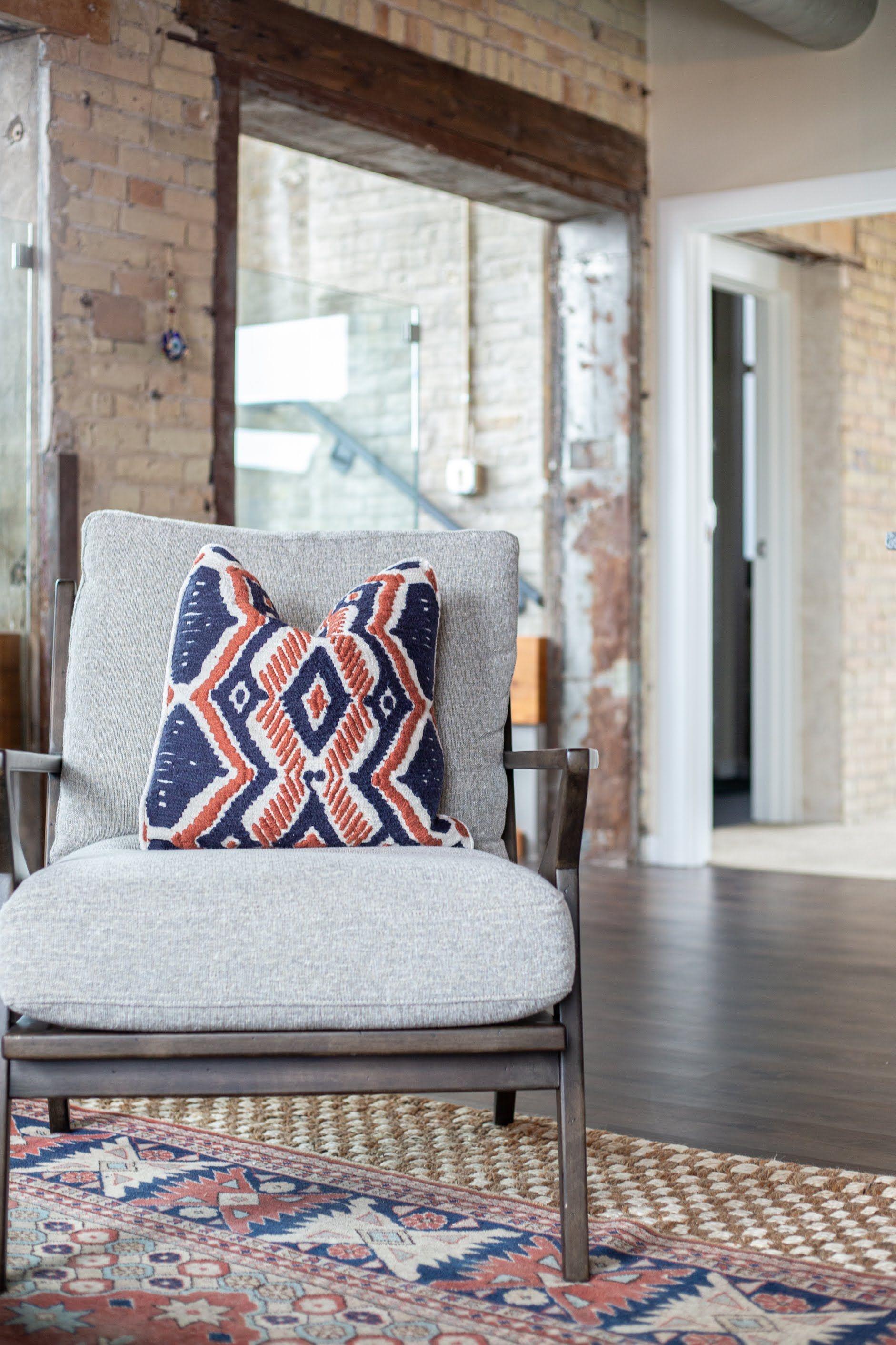 Industrial Living Room Ideas And Inspiration In 2020 Interior Design Inspiration Interior Design Industrial Livingroom
