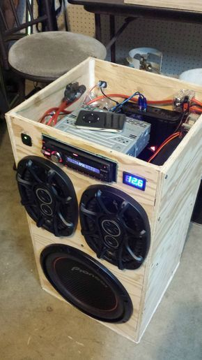 diy portable stereo diy pinterest. Black Bedroom Furniture Sets. Home Design Ideas