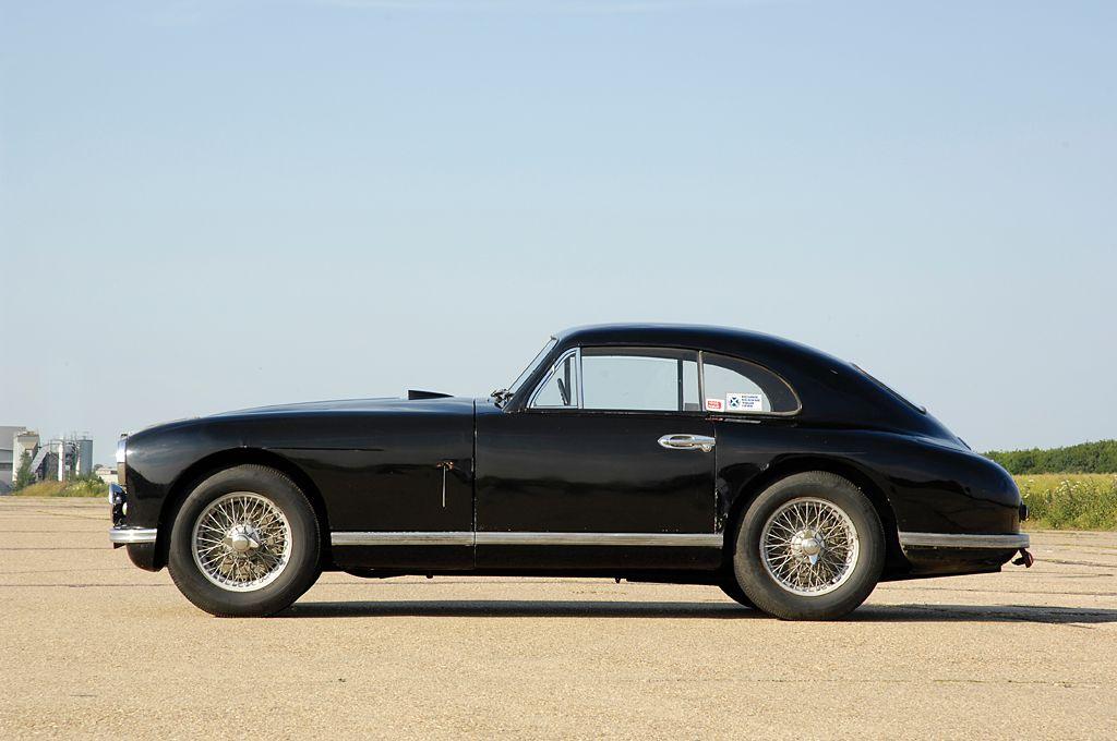 1951 aston martin db2 aston martin pinterest voiture et automobile. Black Bedroom Furniture Sets. Home Design Ideas