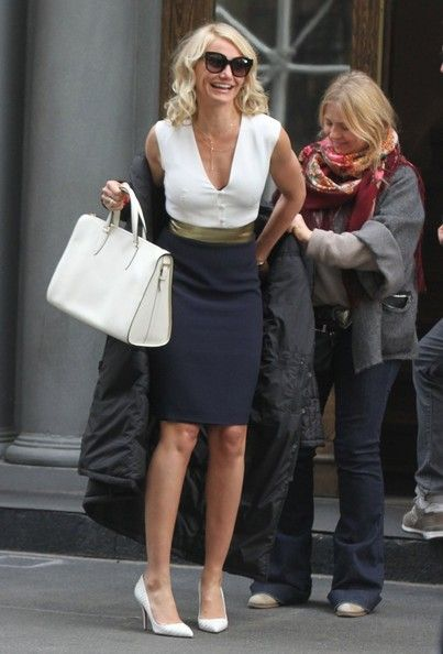 e7818f2523 Actresses Cameron Diaz and Leslie Mann film scenes for their new film