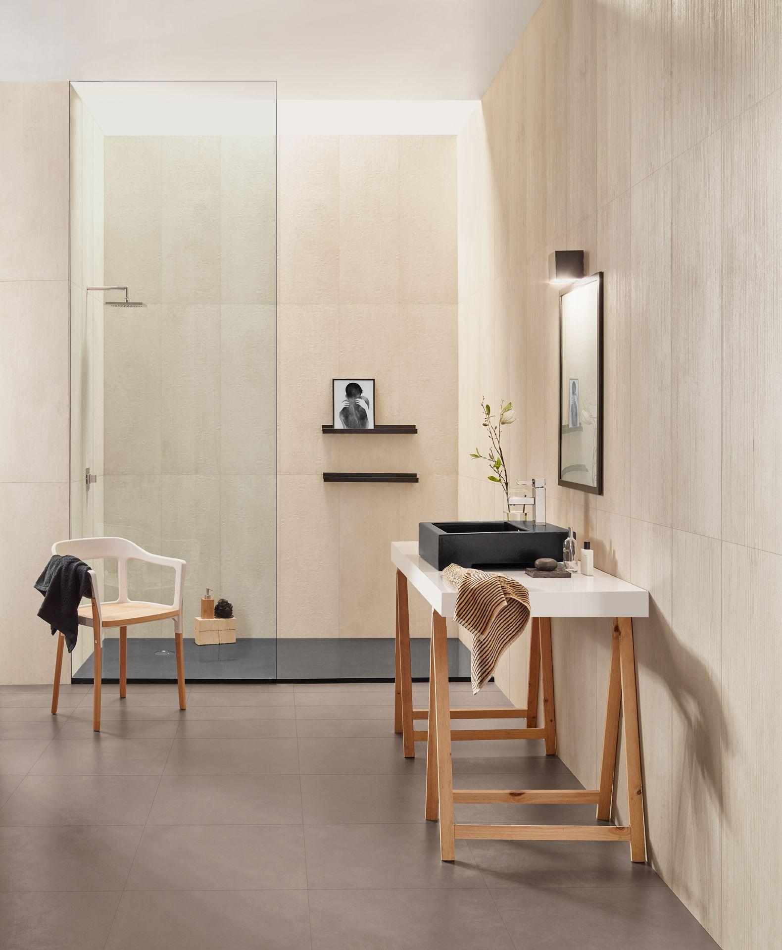 El lavabo es el centro de atención del cuarto de baño ...