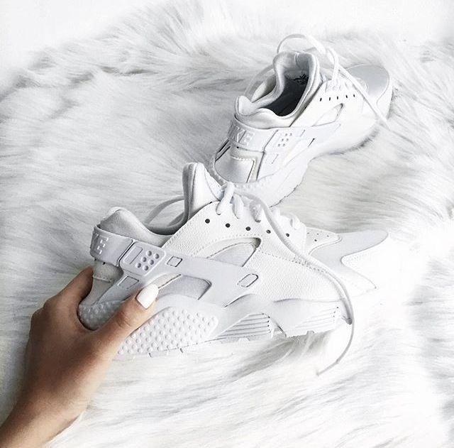 Pin von Jgraef auf Schuheeee❤️ | Adidas schuhe weiß, Weiße