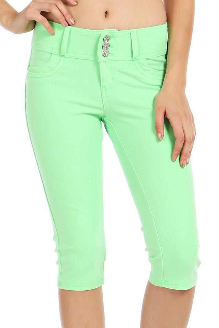 SOLID THREE BUTTON CLOSURE CAPRI PANTS-Green