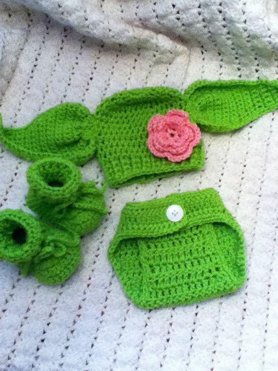 Yoda sombrero con cubierta de pañal y por emilycrochetcreation ...