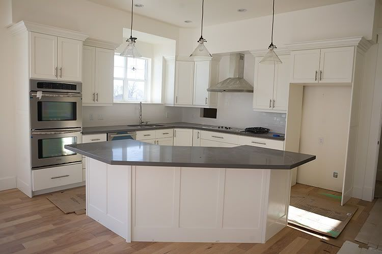 42 Affordable Kitchen Island Design Ideas Kitchen Island Designs Are Important To Consider I Kitchen Layout Kitchen Island Design Kitchen Layouts With Island