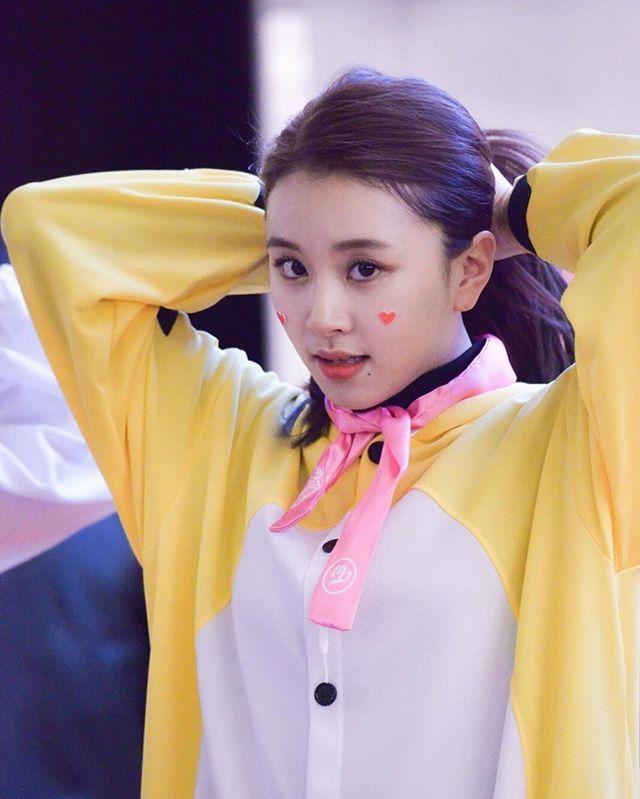 [161204 여의도 팬사인회] Last row for this event🙈 #chaeyoung #채영 #twice #트와이스 #PrettyRapstarChaeyoung