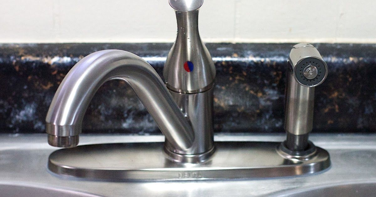delta kitchen faucet pull out sprayer