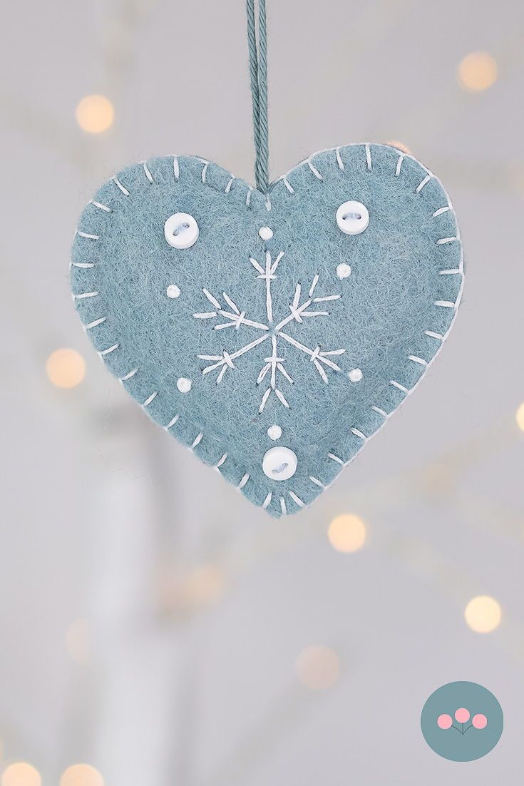 Blue and white snowflake heart Christmas ornaments #feltchristmasornaments