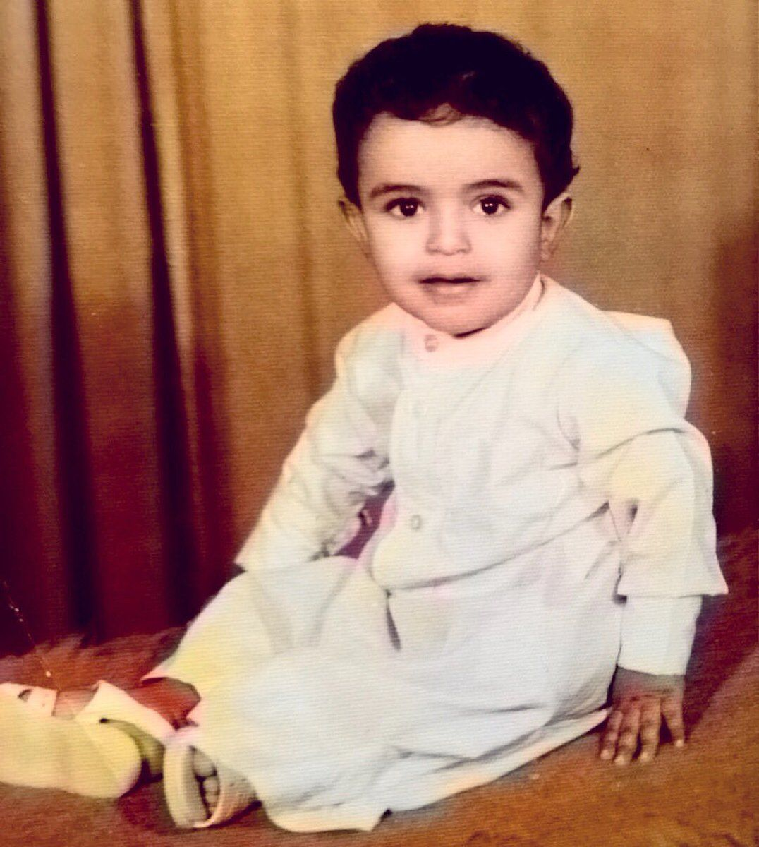 شاهد صور الشيخ مشاري راشد العفاسي في طفولته و بداية مرحلة الشباب Baby Face Blog Face