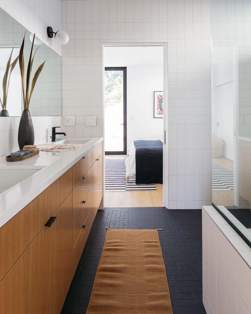 Tilt-Shift House by ANX / Aaron Neubert Architects   Bathroom ...
