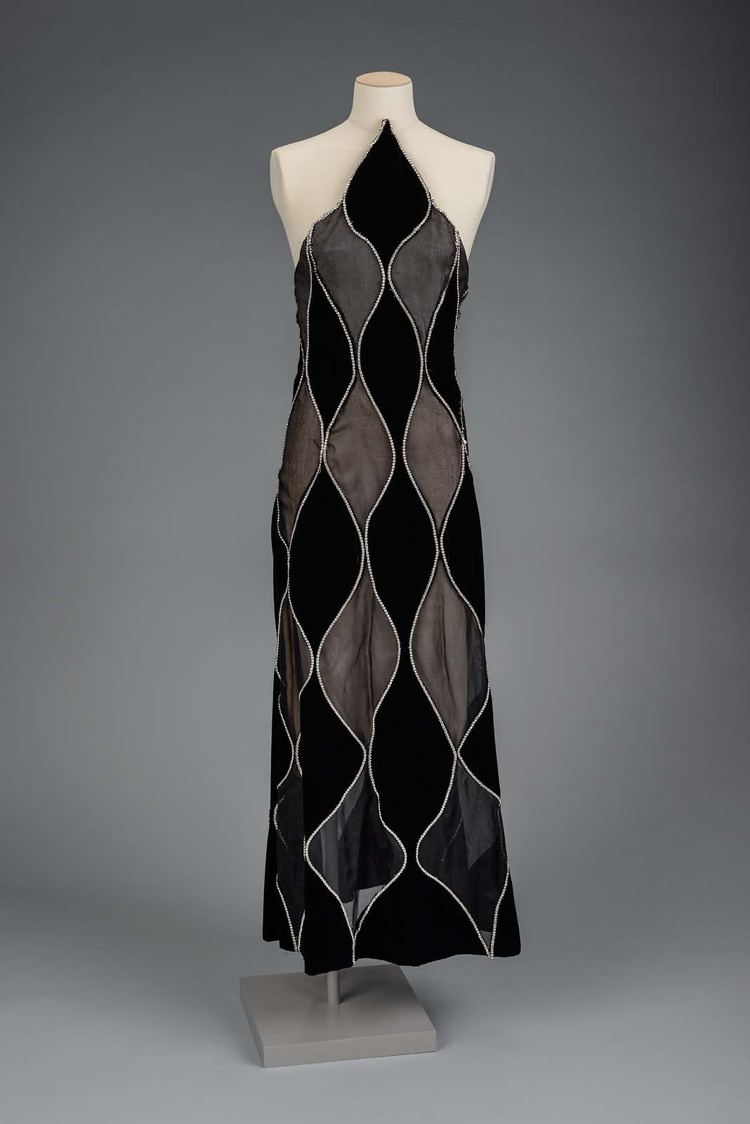 Womanus evening dress american about designed by arnold