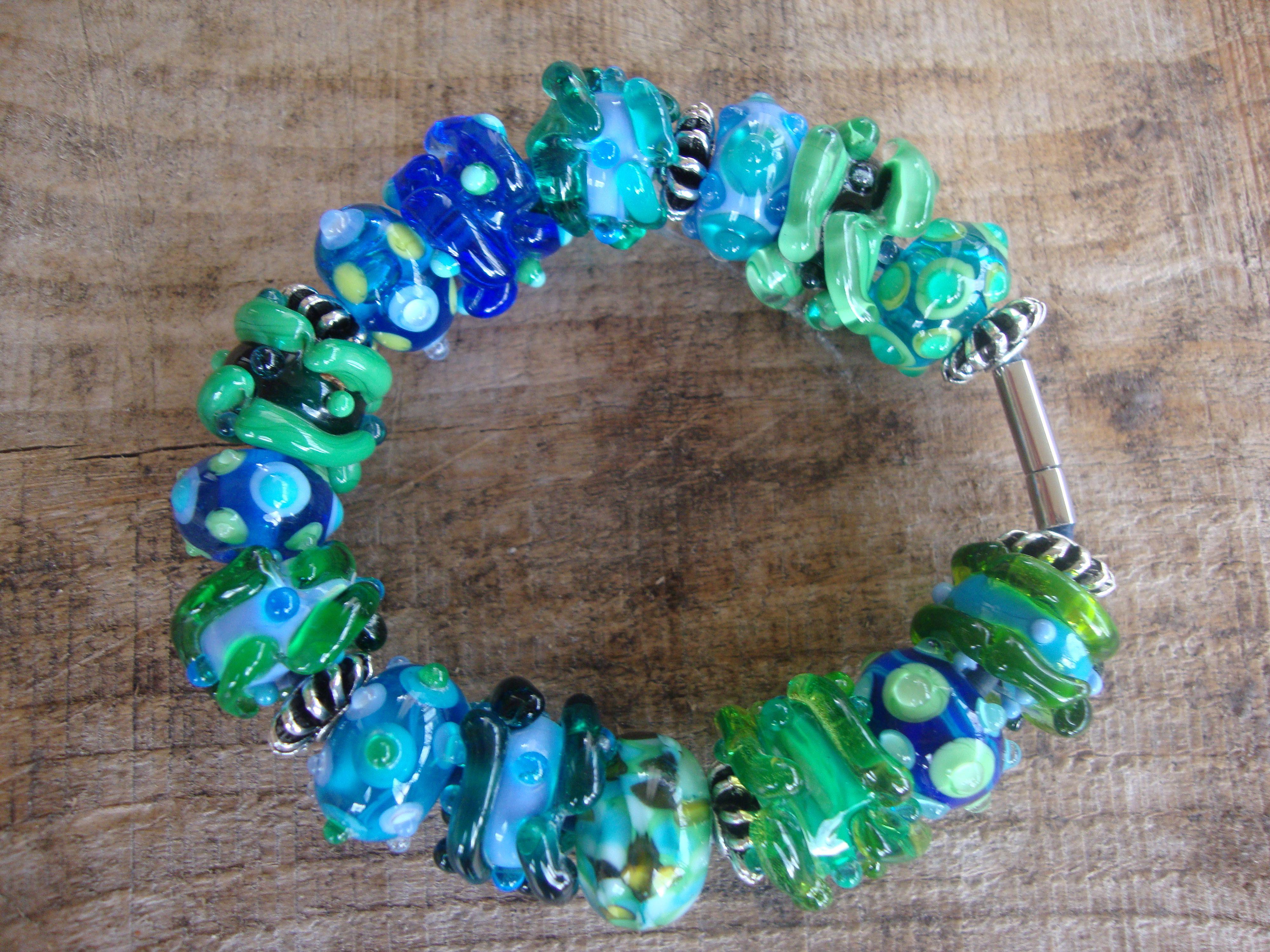 Groen en blauw, zo mooi.....afgewerkt met rvs buisslot.