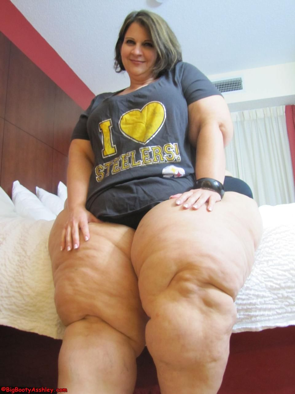 incredibly (buttery soft looking) thick thighs | bbw | pinterest