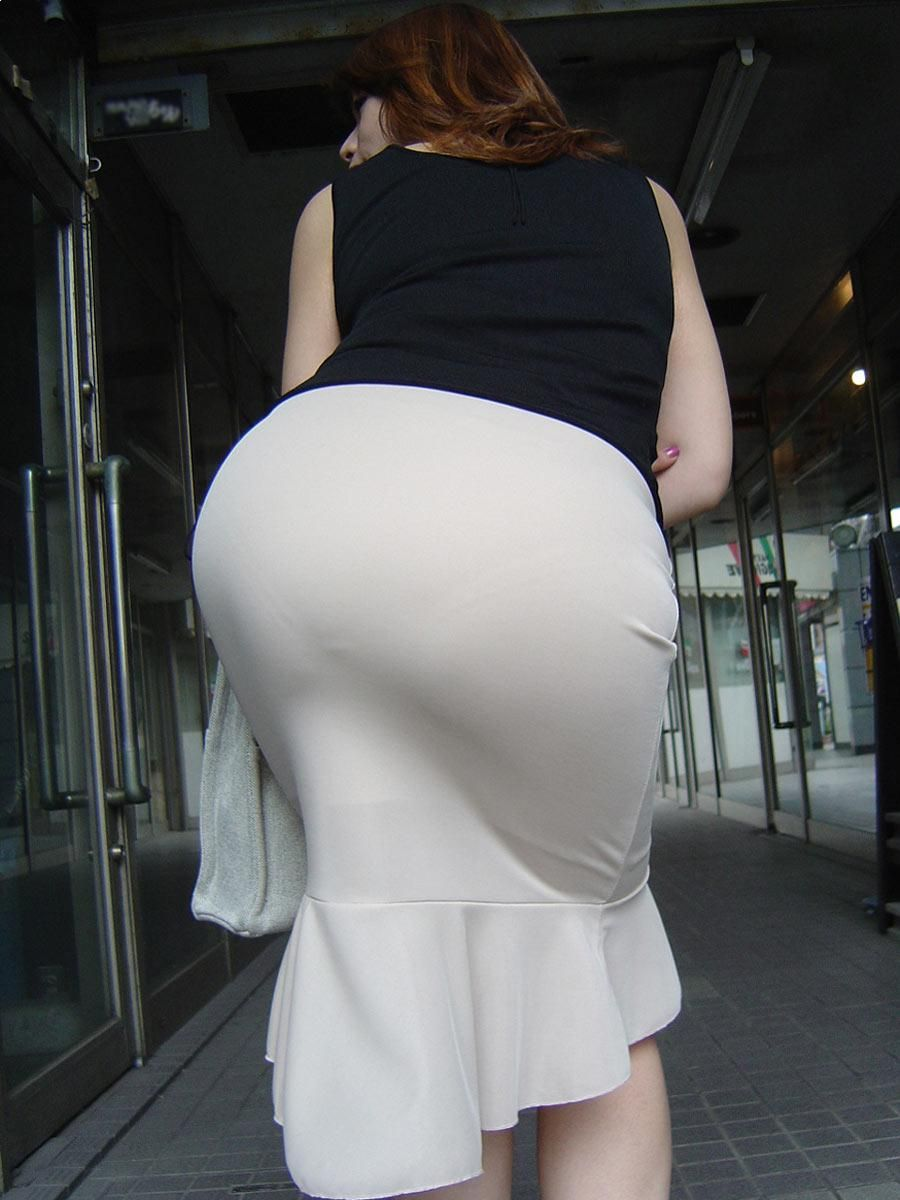 Ass in skirts pics