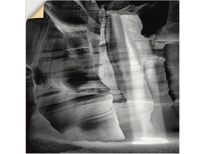 Das Wandbild mit dem Motiv Antelope Canyon schwarz-weiß II des Künstlers Melanie Viola überzeugt durch originalgetreue Druckqualität und hochwertige