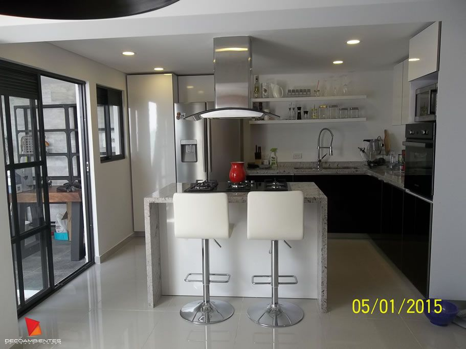 Muebles para cocinas integrales bogot colombia for Alacenas bogota