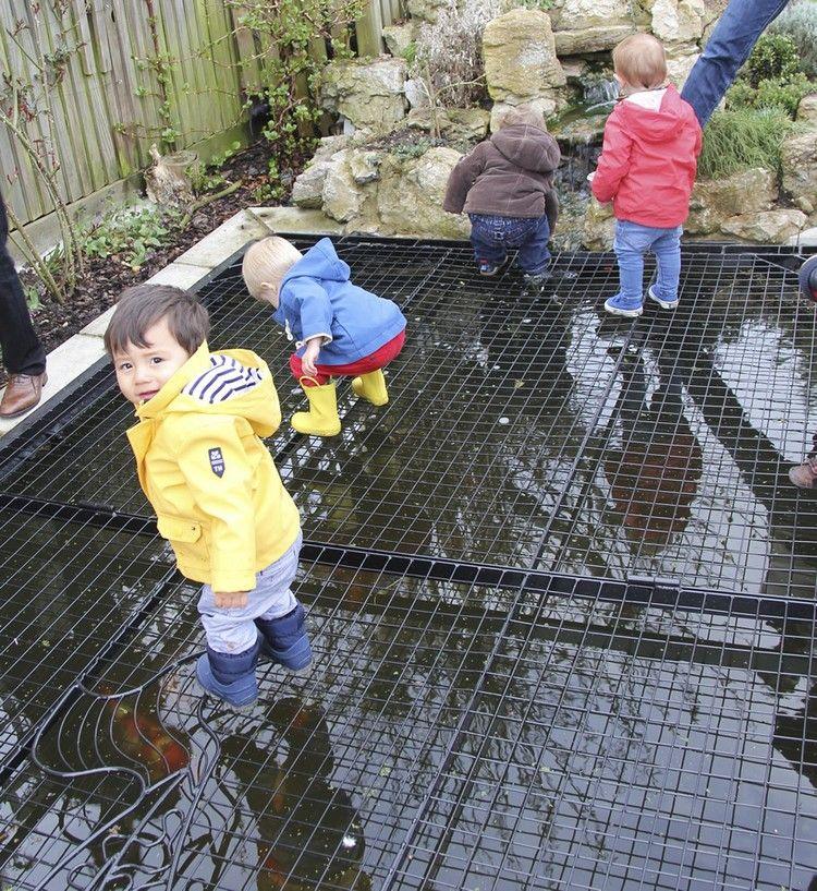 Gartenteich kindersicher machen u2013 die Möglichkeiten imÜberblick Bettembourg Teich  ~ 10074011_Gartenteich Zaun Kindersicher