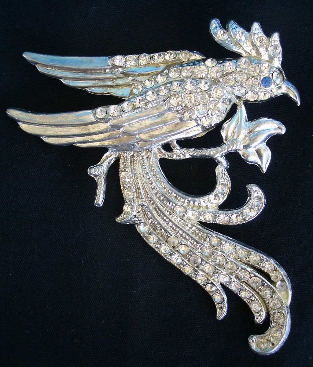 Large Clear Rhinestone embellished Bird pin Pot Metal Brooch silver tone