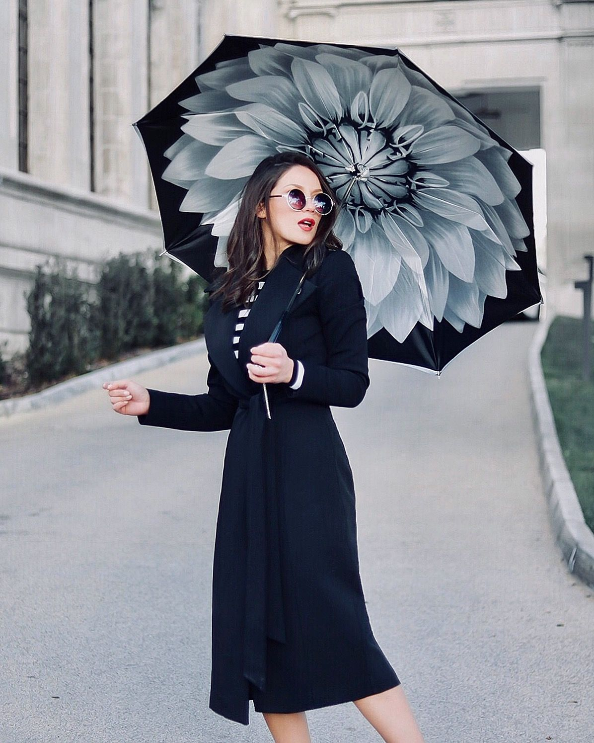 Today I Ll Let The Umbrella Do The Talking Thank You Pasottisince1956 Suzypap Umbrella Coat Blac Fashion Casual Fashion Style Inspiration