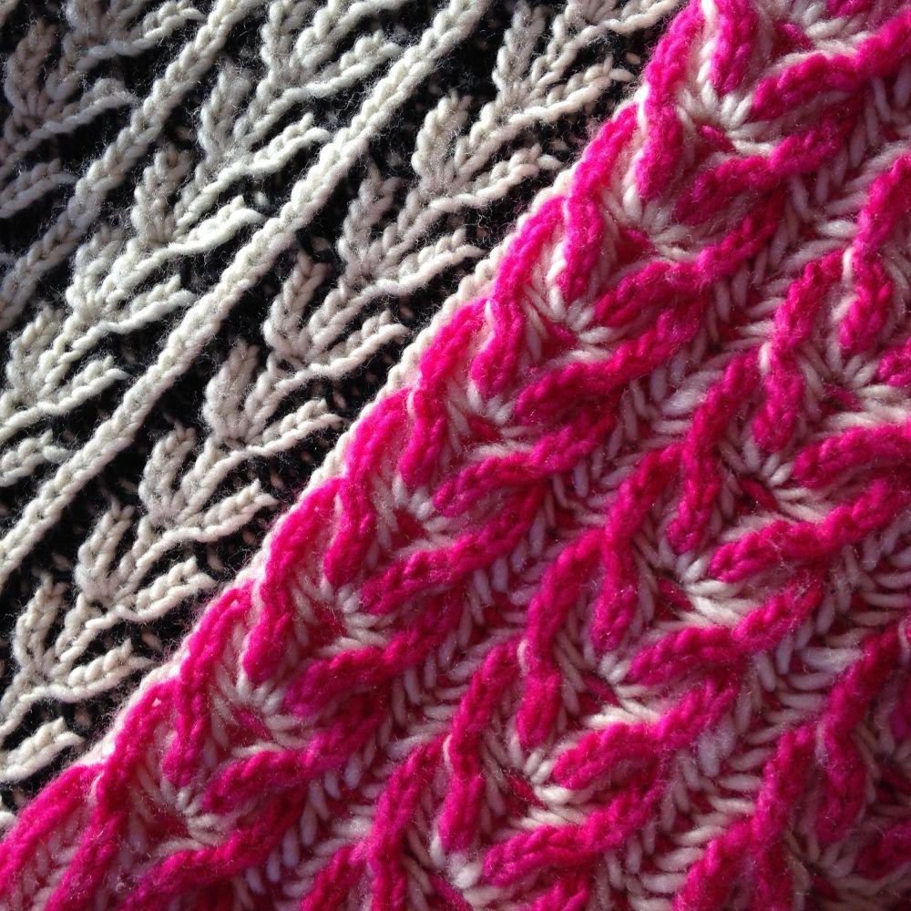 ведьмы фото с узорами для вязания стоит месте