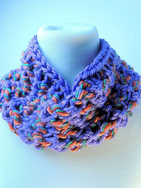 Mardi Gras Cowl | Cuellos de lana, Crochet bufanda y Guantes