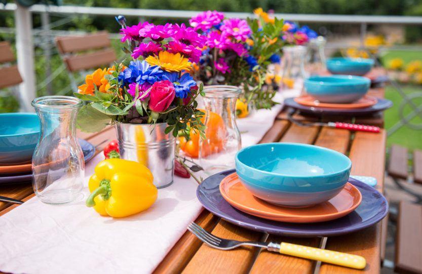Photo of Sommerliche Farben mit Happymix Azurblau, Orange, Trendmix Flieder, Blüten und …