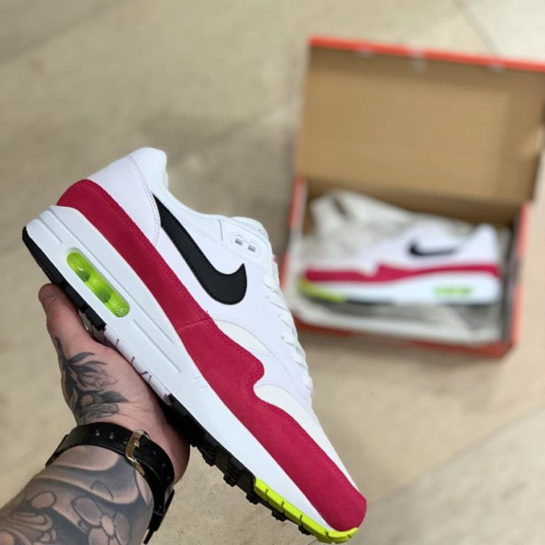 Nike Air Max 1 Rush Pink (1) | Chaussures homme, Nike air