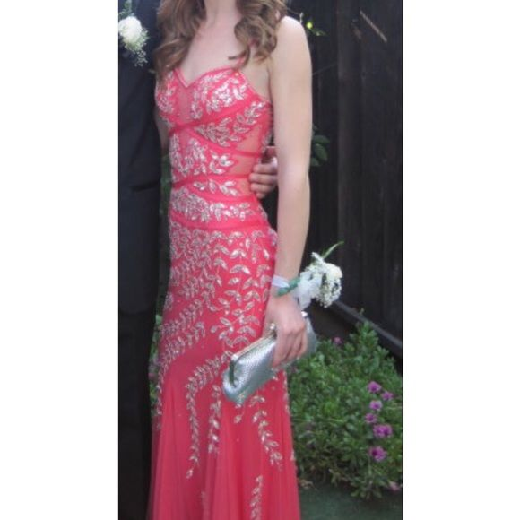 Mermaid/ Trumpet Style David\'s Bridal Prom Dress