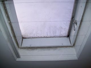 These #rooflights (not ours!) are so poorly insulated just look at the condensation!