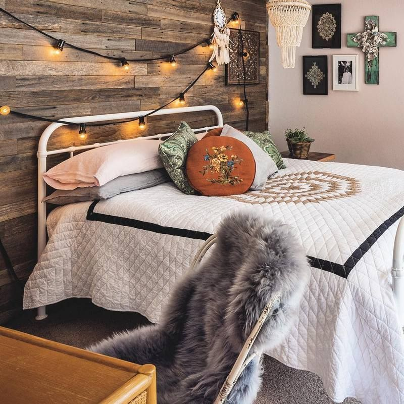 Bohemian House Decor Ideas Are Admirable And Attractive At The First Sight But It Is In 2020 Bohemian Style Bedding Bohemian Bedroom Design Boho Chic Interior Design