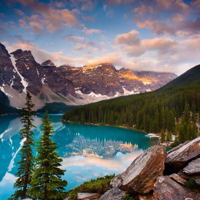 Moraine Lake @ Banff National Park, Canada.  Stunning beauty.