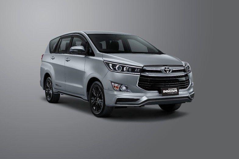 Harga New Innova Trd Sportivo 2020 Mobil Toyota Innova Trd Sportivo Resmi Diluncurkan Tepat Pada Perayaan Hut Ri Ke 75 Senin Di 2020 Toyota Mobil Baru Transmisi Manual