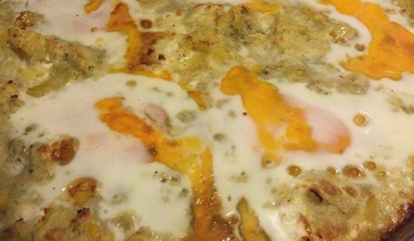 Картофи с яйца и чубрица на фурна
