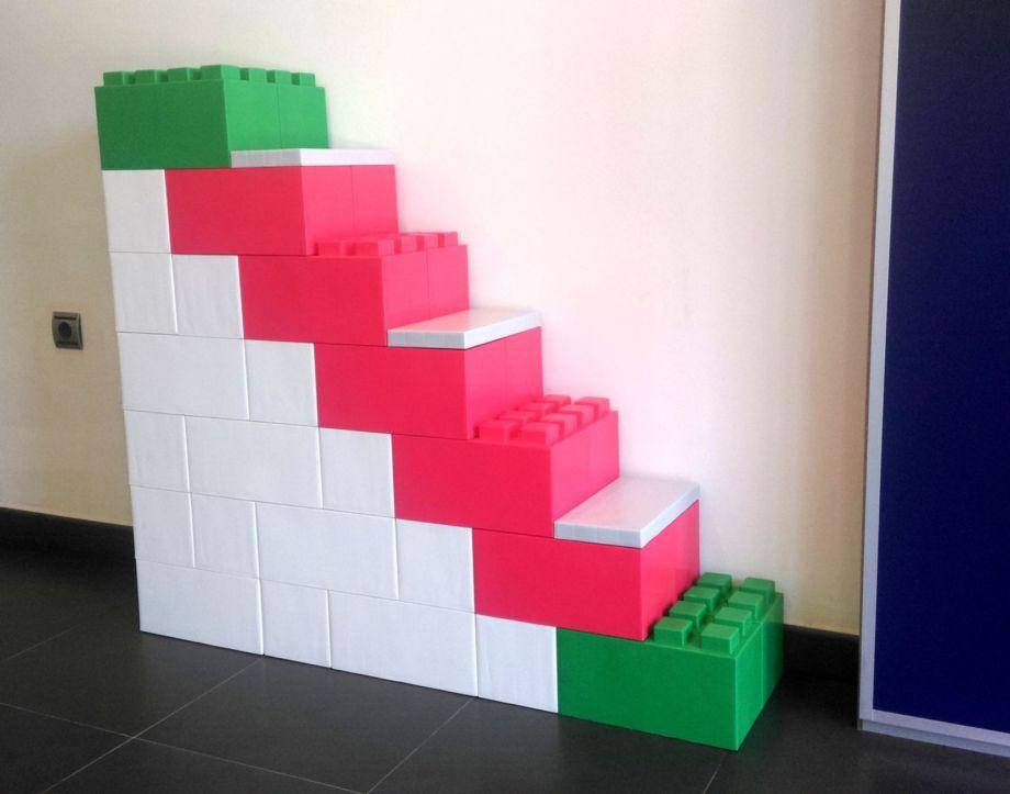 Escalera realizada con bloques modulares Everblock, decoración