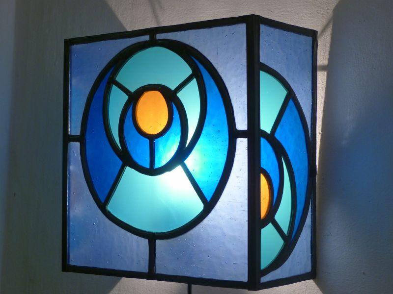 Applique vitrail bleu orange cercle dans le cercle luminaire
