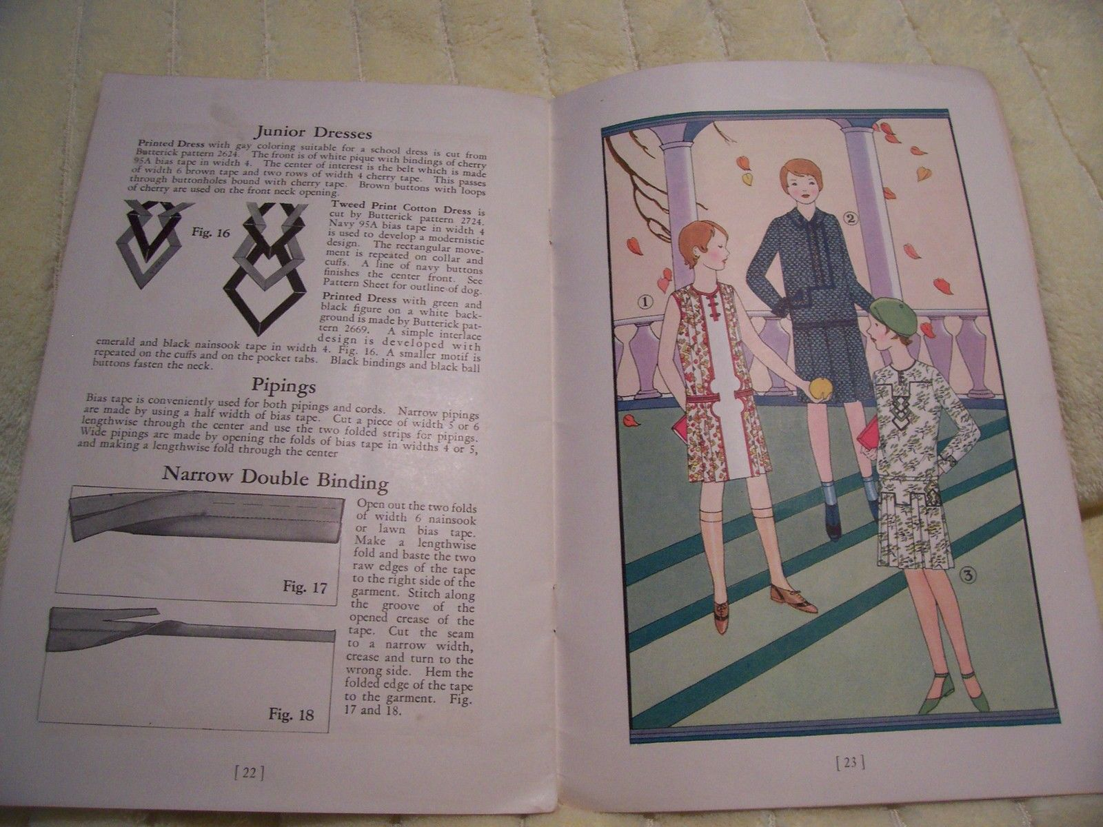 Wright`s Bias Fold Tape Trimmings Booklet 1930s w Patterns in The Back