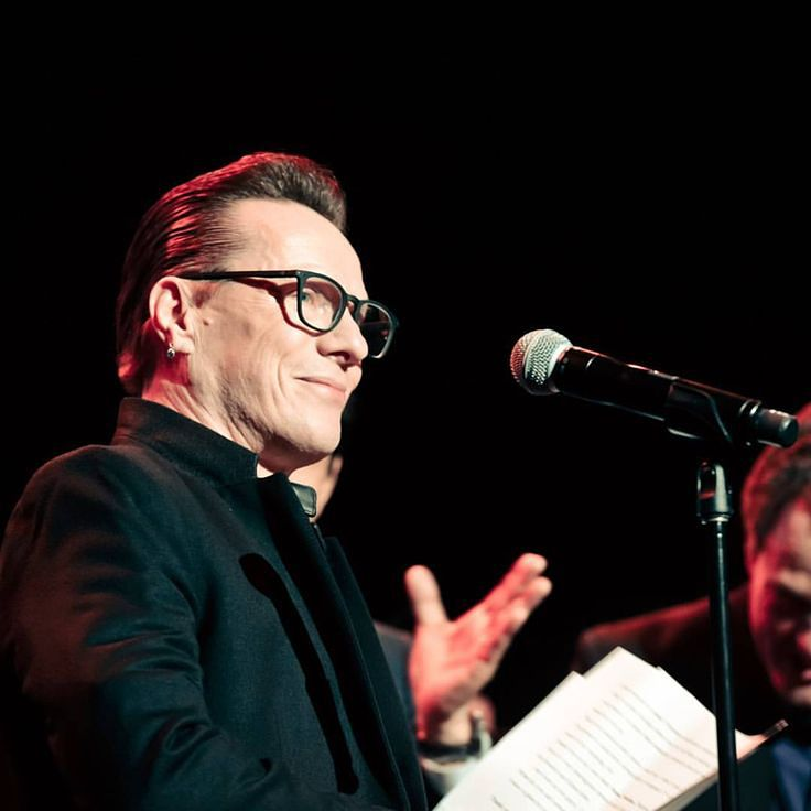 Larry Mullen/ U2 looking sharp in glasses  | Celebrities