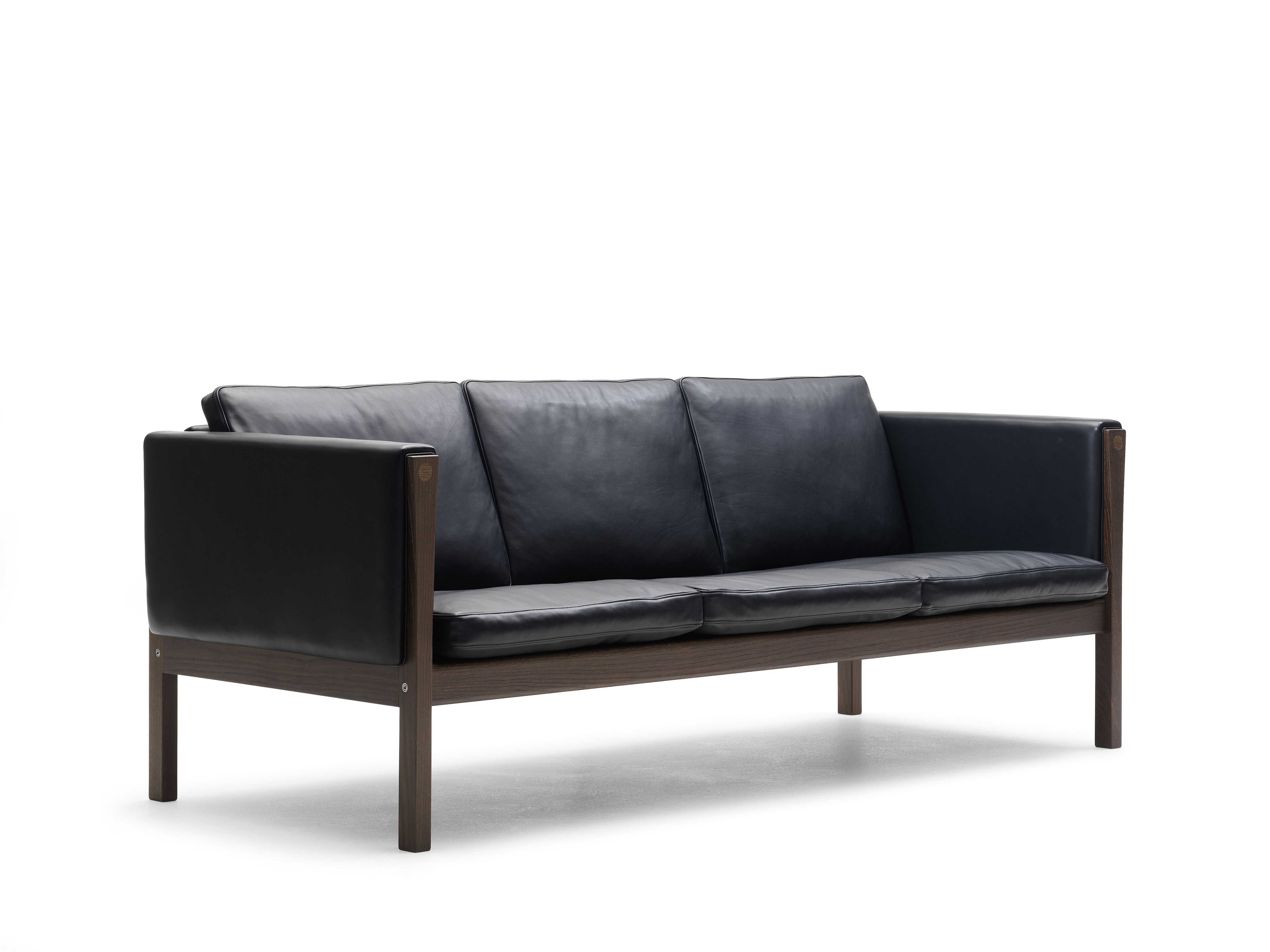 Ch162 Sofa By Hans J Wegner Decor For The More Masculine Version